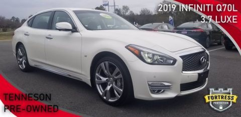 Pre-Owned 2019 INFINITI Q70L 3.7 LUXE With Navigation